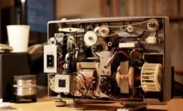 8mm映写機の内部