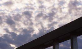 ただいまの朝の空 NEX-5NとPEN-Fレンズ
